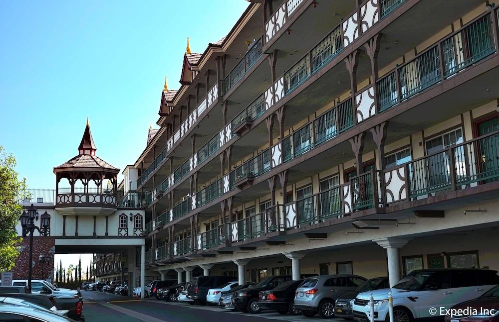 anaheim camelot inn & suites reviews