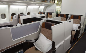 oman air london to delhi review