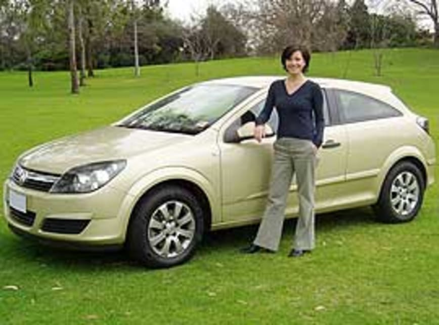 2005 holden astra cd review